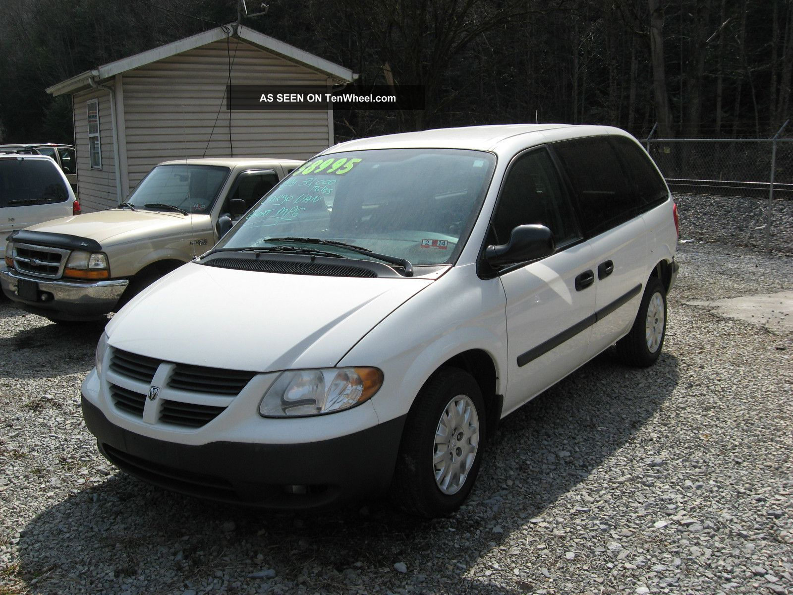 2006 dodge caravan base mini cargo van 4 door 3 3l c v not chevy or ford. Black Bedroom Furniture Sets. Home Design Ideas