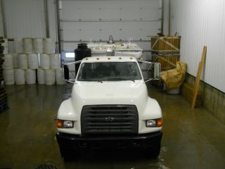 1998 Ford F800 Vacuum Truck photo