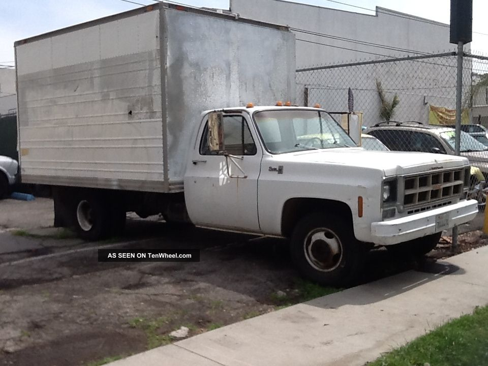 1977 gmc 1 ton 10 box truck with waltco power lift gate sierra 3500