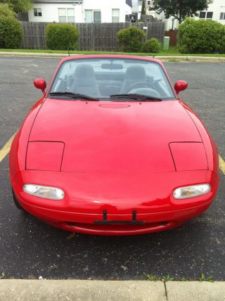 1991 Mazda Miata Base Convertible 2 - Door 1.  6l photo