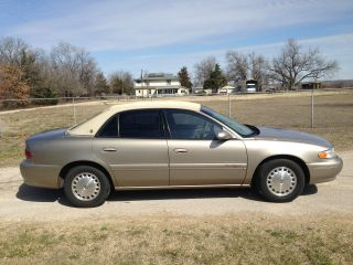 2002 Buick Century Limited Sedan 4 - Door 3.  1l photo
