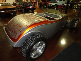 1933 Ford Custom Roadster photo