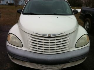 2002 Chrysler Pt Cruiser Base Wagon 4 - Door 2.  4l photo