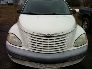 2002 Chrysler Pt Cruiser Base Wagon 4 - Door 2.  4l photo