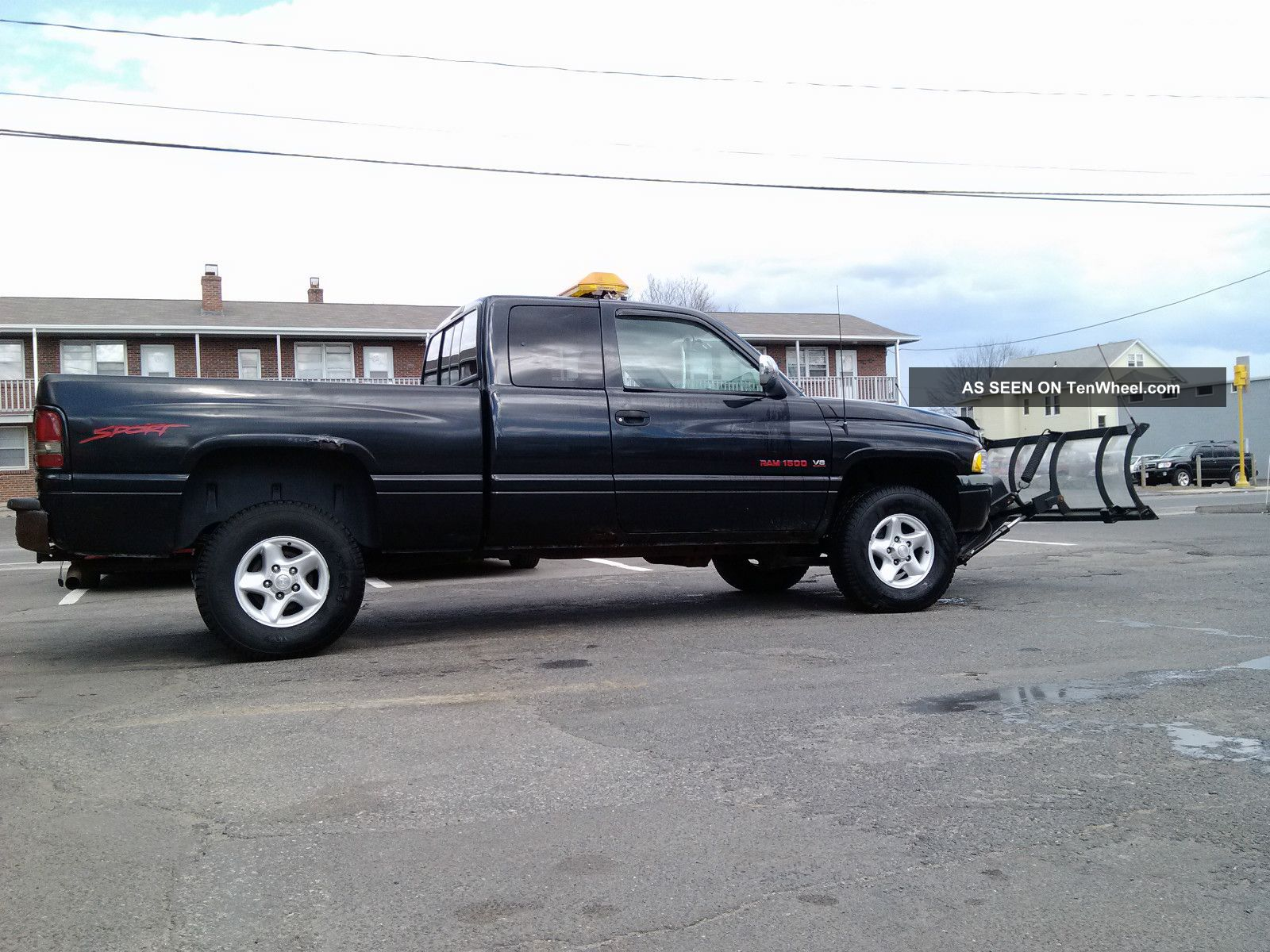 1997 dodge ram sport 1500 4x4 with 7 39 6 sno way plow. Black Bedroom Furniture Sets. Home Design Ideas