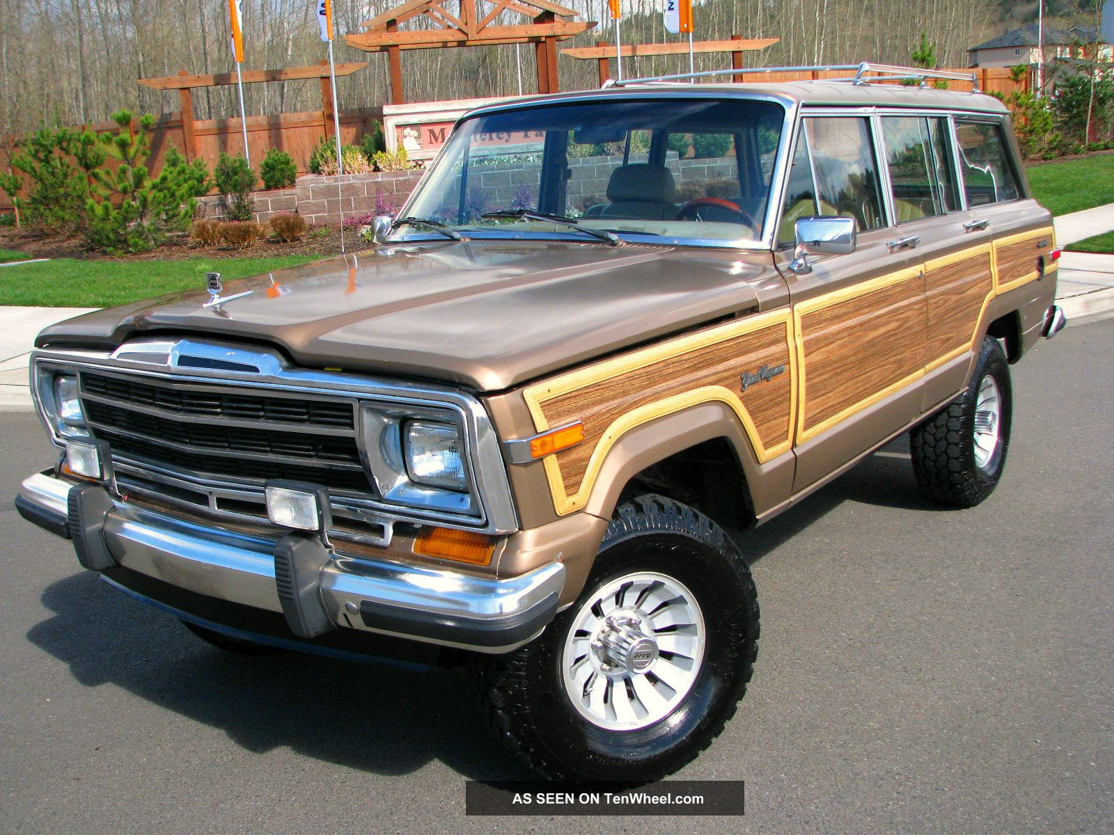 "1988 Jeep Grand Wagoneer Vintage "" Woody "" 4x4 In Condition"