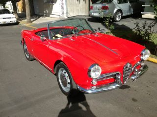 Alfa Romeo Giulietta Spider 1957 photo