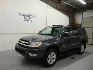 2005 Toyota 4runner Sr5 Sport Utility 4 - Door 4.  0l 4x4 photo