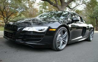2012 Audi R8 Coupe 2 - Door 5.  2l photo