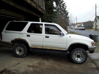 1995 Toyota 4runner Sr5 Sport Utility 4 - Door 3.  0l 4x4 photo