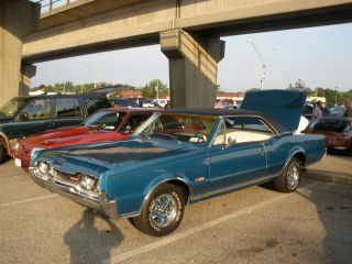 1967 Oldsmobile 442 Cutlass Supreme photo