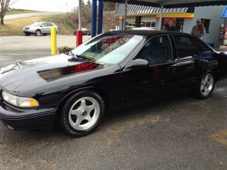 1996 Chevrolet Impala Ss Sedan 4 - Door 5.  7l photo