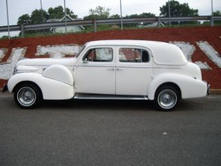 1940 Caddy Fleetwood Long Wheel Base One Of 131 / As Limousine - photo