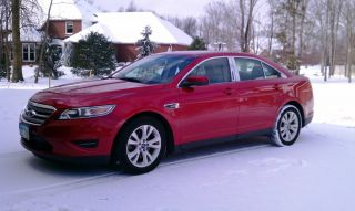 2010 Ford Taurus Sel Sedan 4 - Door 3.  5l photo