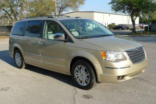 2010 Chrysler Townn&country Limted 18k Mi 4.  0l Power Doors photo