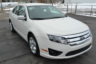 2010 Ford Fusion Se Sedan 4 - Door 2.  5l photo