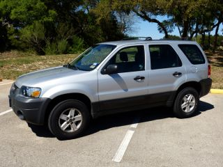 2005 Ford Escape Xlt Sport Utility 4 - Door 3.  0l photo
