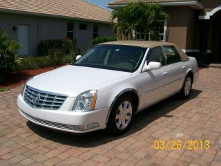 2006 Cadillac Dts Base Sedan 4 - Door 4.  6l Factory Gps System photo
