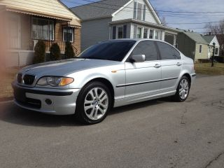 2002 Bmw 330xi Sedan 4 - Door 3.  0l Sport Pkg Awd Auto Very photo