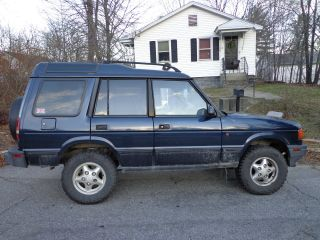 1997 Land Rover Discovery Se Sport Utility 4 - Door 4.  0l photo