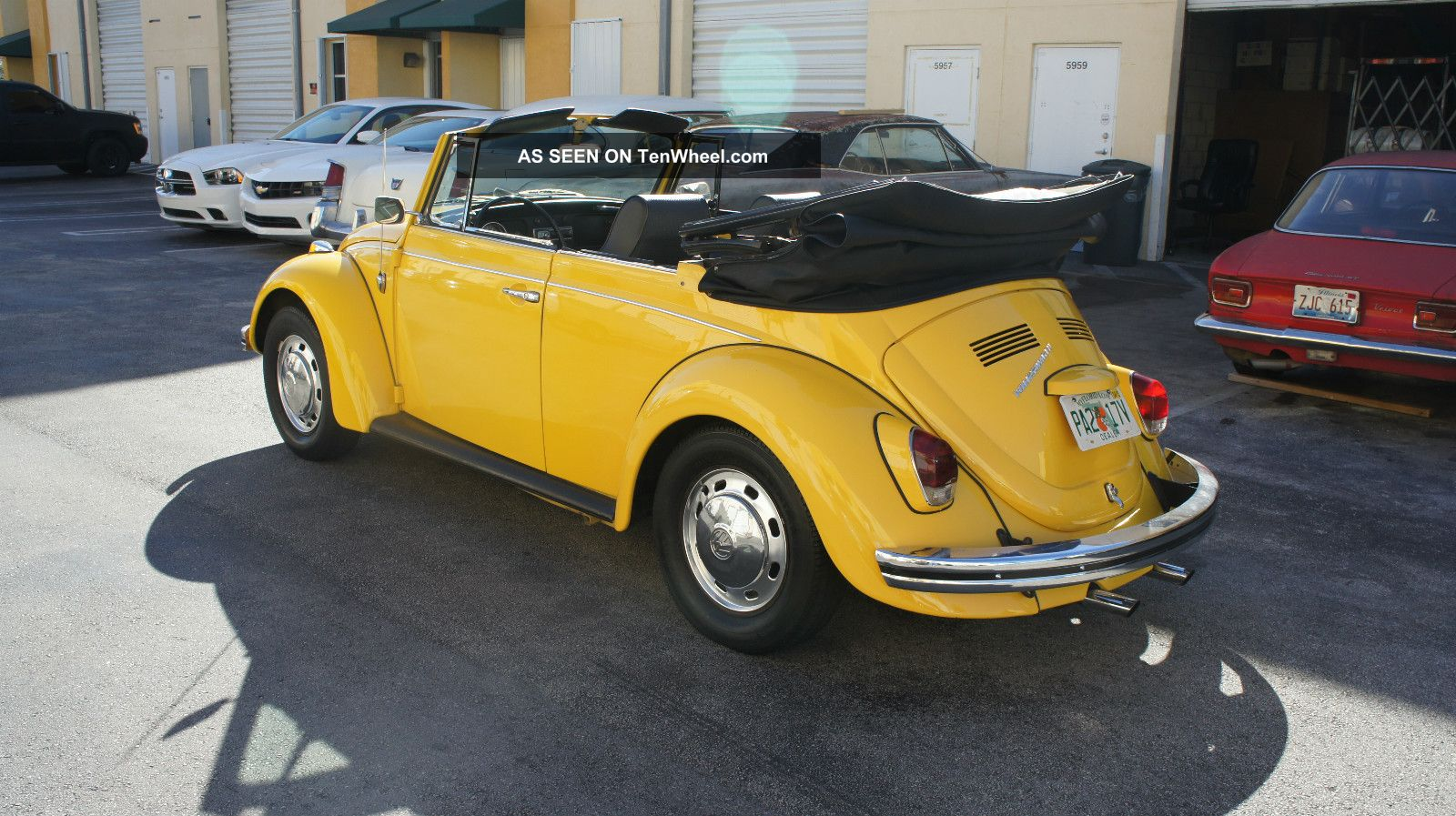 1969 volkswagen beetle bug convertible 2 owners only yellow with black. Black Bedroom Furniture Sets. Home Design Ideas