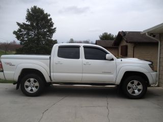 2009 Toyota Tacoma Pre Runner Crew Cab Pickup 4 - Door 4.  0l photo