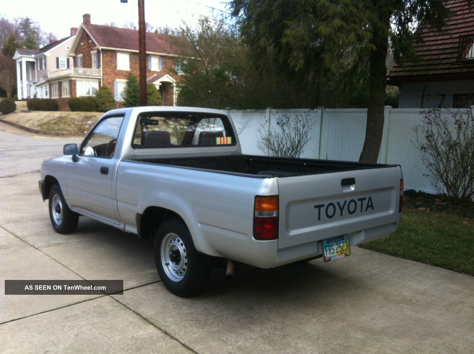 Toyota Pickup Base Standard Cab Pickup Door L Lgw