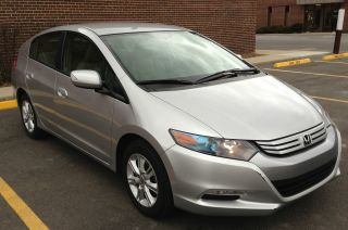 2010 Honda Insight Ex Hatchback 4 - Door 1.  3l Silver photo