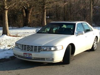 2000 Cadillac Seville Sts Sedan 4 - Door 4.  6l photo
