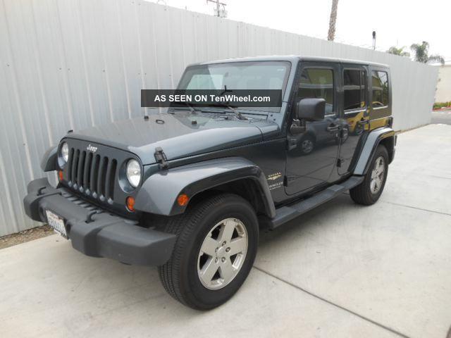 2007 jeep wrangler unlimited sahara w navi manual trans 2wd. Black Bedroom Furniture Sets. Home Design Ideas