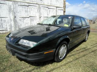 1995 Saturn Wagon With 5 Speed And With photo