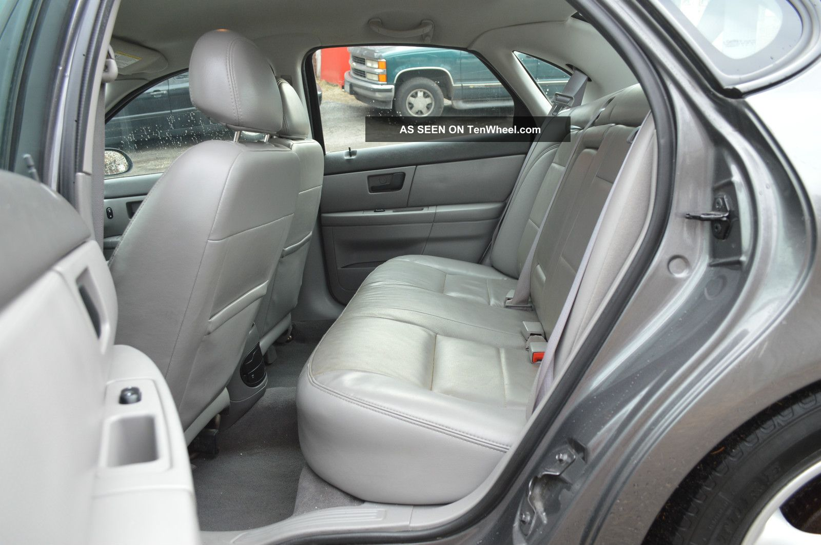 2004 gray metallic ford taurus ses v6 3 0l automatic w. Black Bedroom Furniture Sets. Home Design Ideas
