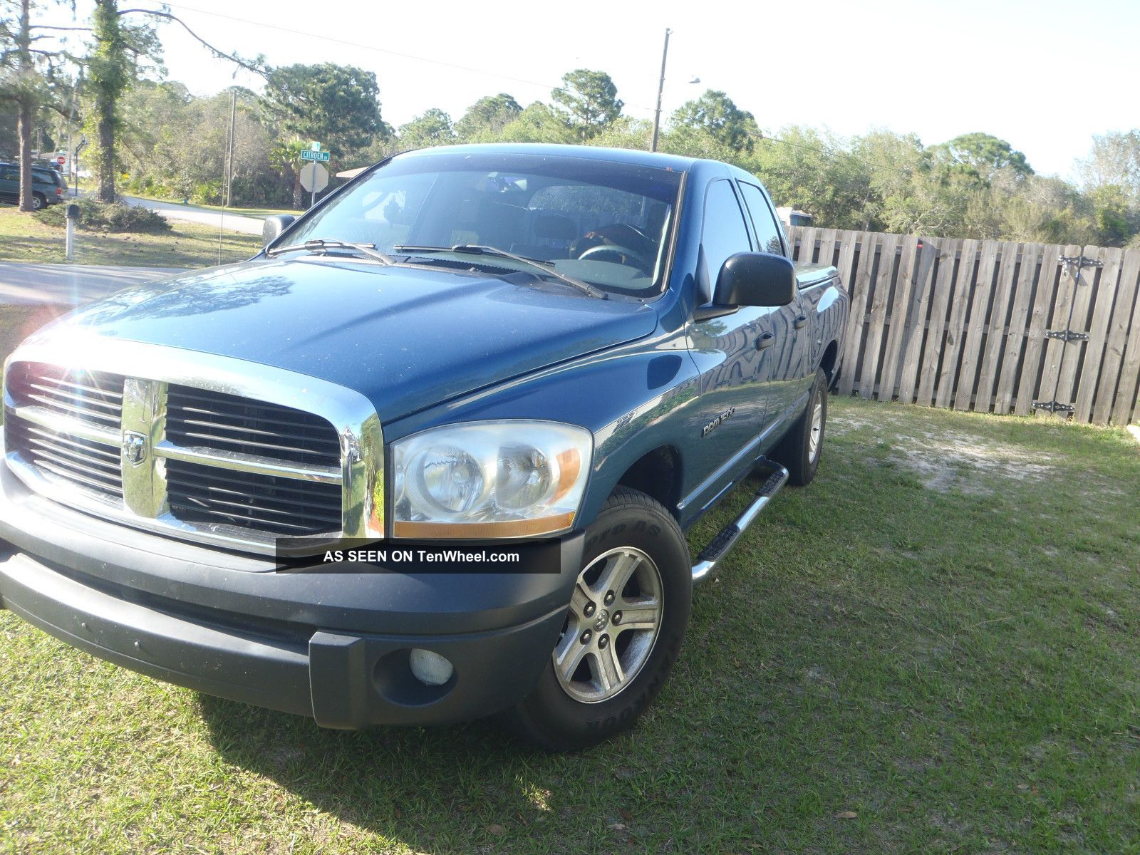 2006 Dodge Ram 1500 Slt Crew Cab Pickup 4 - Door 4.  7l Ram 1500 photo