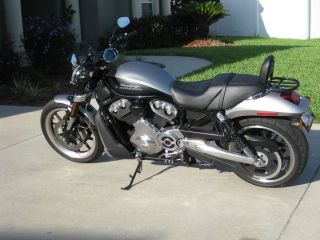 2007 Harley Vrscr St R photo