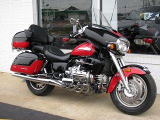 1999 Honda Valkyrie Interstate All Factory. .  Bike photo