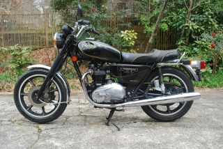 1982 Triumph Bonneville Royal Wedding Limited Edition - Rare One Of 95 Imported photo