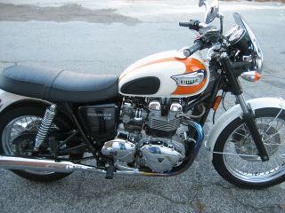 2006 Triumph Bonneville T100 photo