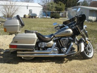 2004 Yamaha Road Star Silverado Dresser photo