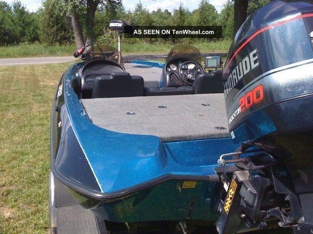1997 Stratos 201 Pro Elite Bass Fishing Boats photo