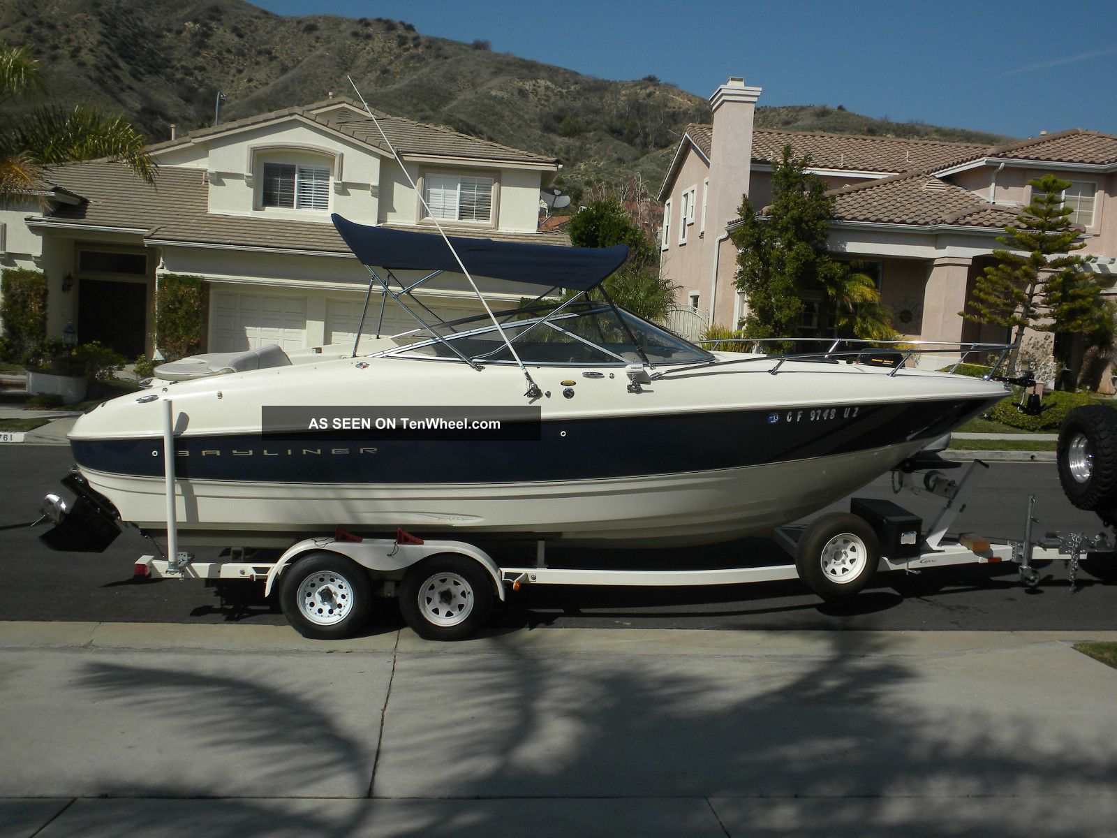 1999 Bayliner 2352 Capri Ls Cuddies photo