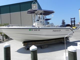 2005 Boston Whaler Outrage photo