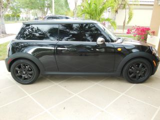 2009 Mini Cooper Base With Premium And Sports Package photo