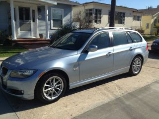 2010 Bmw 328i Xdrive Wagon Under photo
