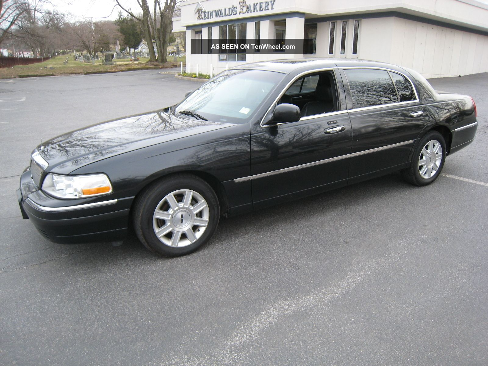 2006 Lincoln Town Car Executive L Series Black On Good Runner