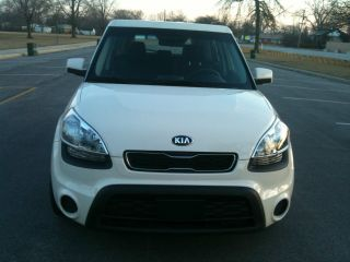 2013 Kia Soul Almost Very Drive Great 6 Speed Manual photo