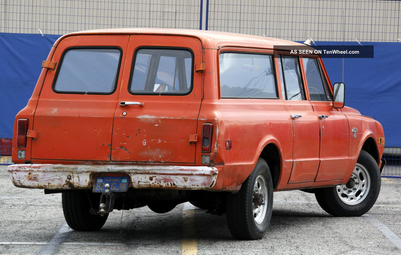 Chevrolet Suburban Dr Z Wd Suv Pic besides Chevrolet Suburban Pic as well Chevrolet Suburban Dr Lt Wd Suv Pic further Chevrolet Suburban Dr Lt Suv Pic furthermore Chevrolet Suburban Dr Lt Wd Suv Pic. on 1968 chevy suburban specs