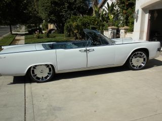 1964 Lincoln Continental Convertible,  American Classic Car,  Suicide Doors photo