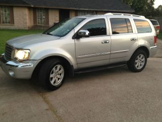 2007 Chrysler Aspen Limited Suv Silver Color photo