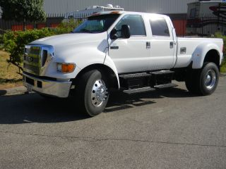 2006 Ford F - 650 Custom Pickup photo