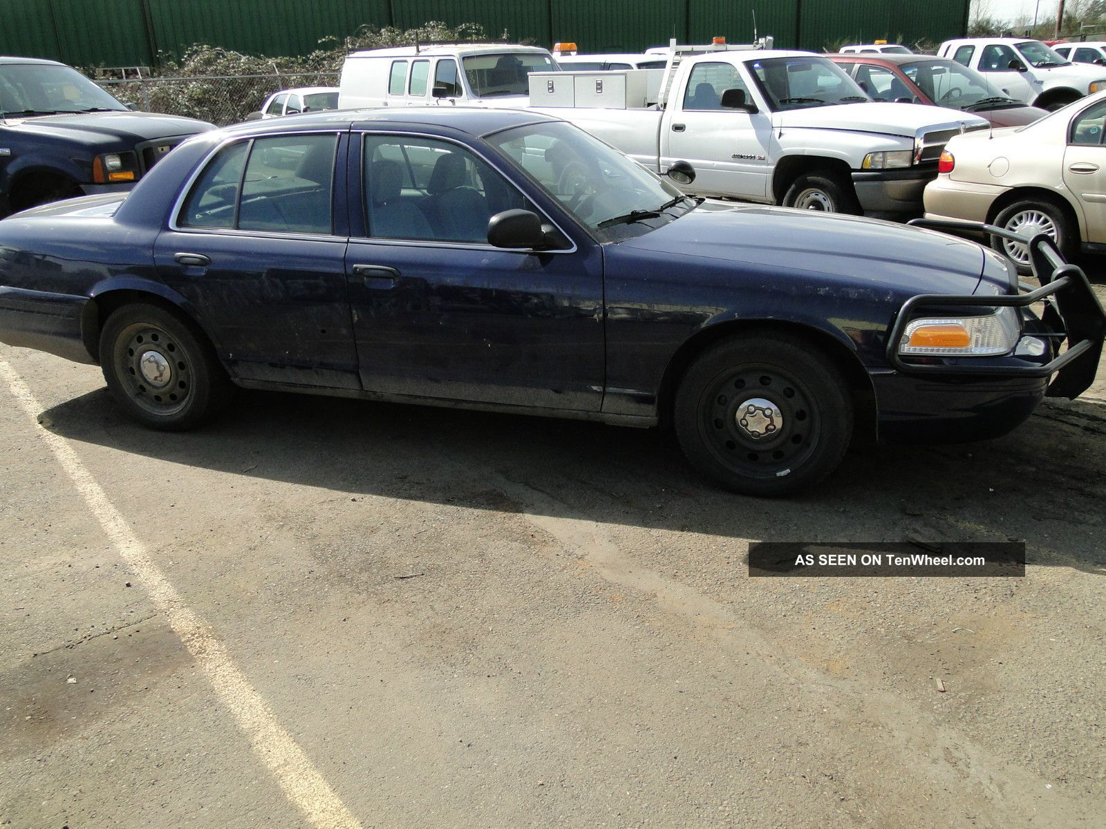 2008 Ford Crown Victoria Police Interceptor - Retired Police Vehicle Crown Victoria photo